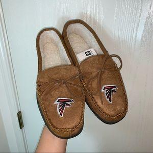 Atlanta Falcons Moccasin Slipper. Size S